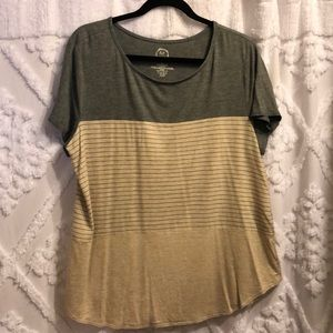 Maurices Short Sleeve Tee